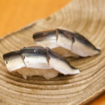 夏のこの時期だけしか食べられない、浜名湖産の新子をいただく。